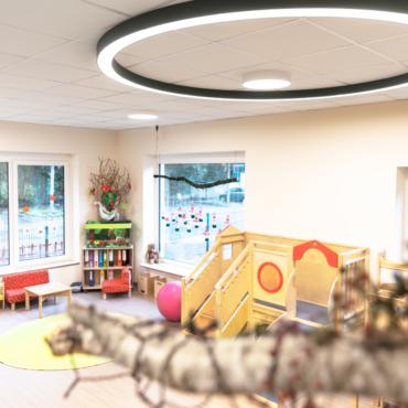 Mit viel Erfahrung zum passenden Lichtkonzept. Der Um- und Anbau der KiTa Sonnenschein in Hoogstede.